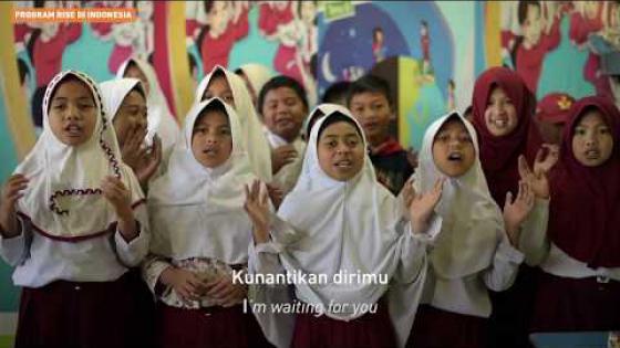 """Embedded thumbnail for Anak-anak Menyanyikan """"Guruku Tersayang"""" di Hari Guru Nasional"""